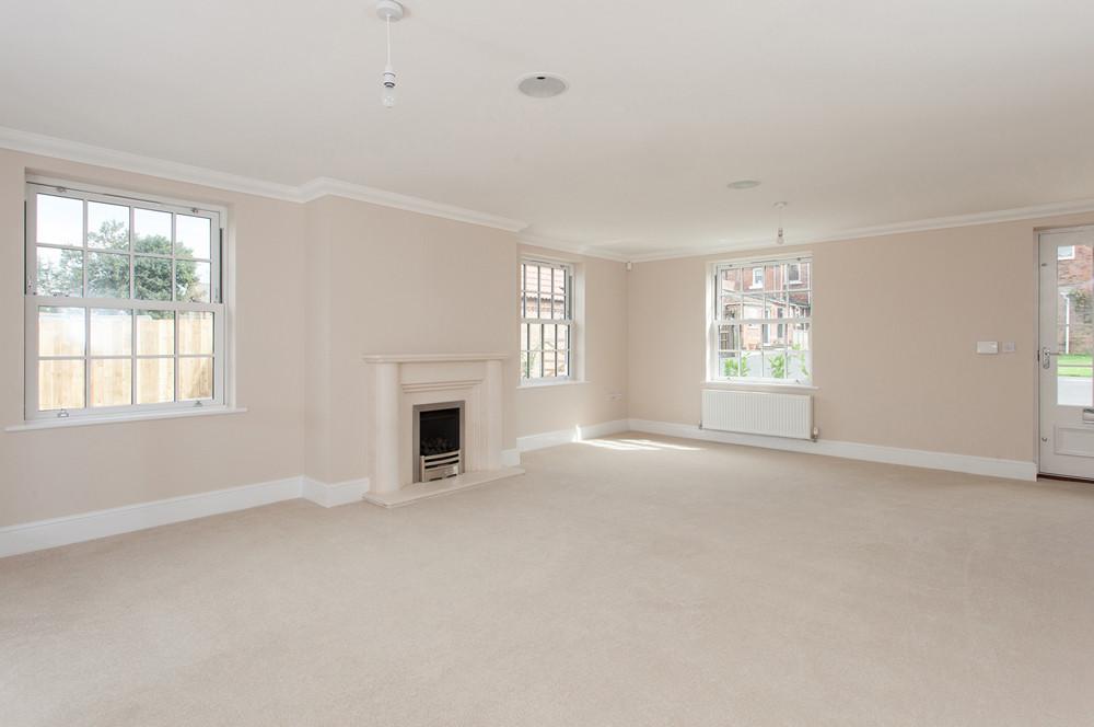 empty living room photograph York