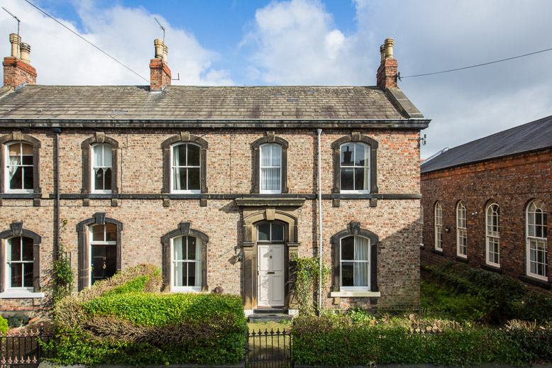 grade II listed house in York for estate agent